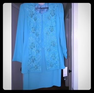 NWT Beautiful 2piece Suit